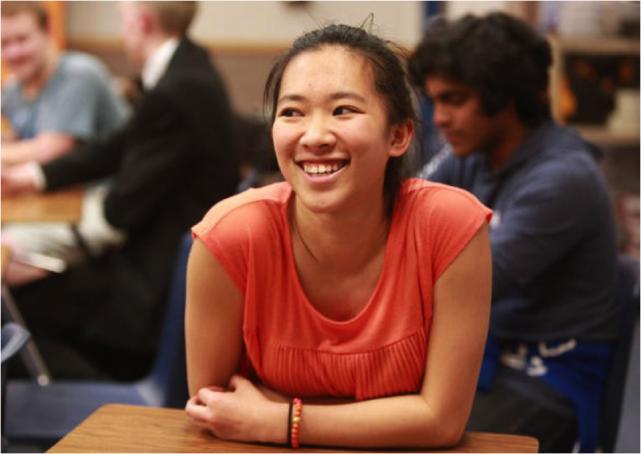 Senior Yennhi Hoang in her political science class.