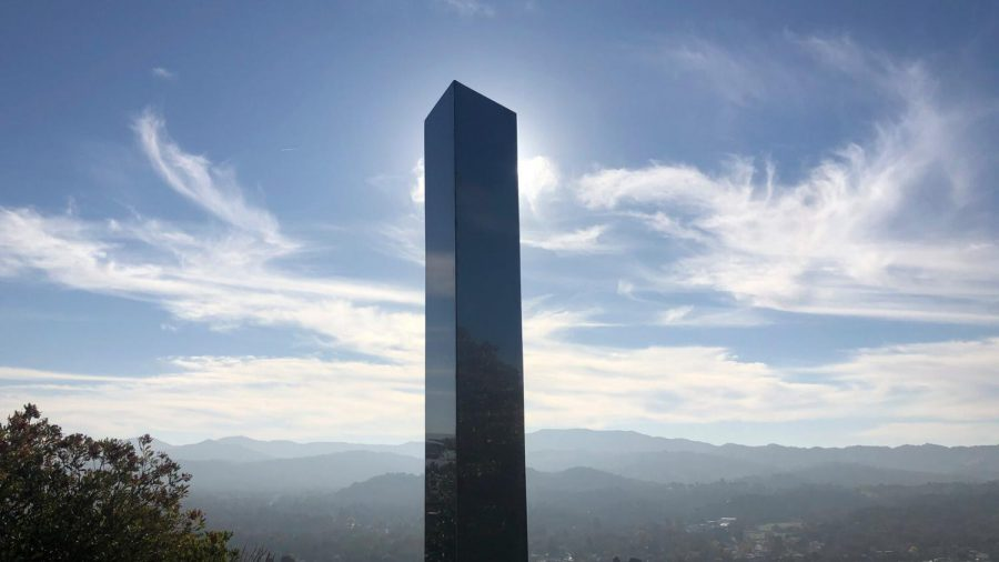 One+of+the+monoliths+standing+atop+Pine+Mountain+in+California.