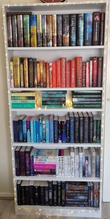 Bookshelf by @book.greed on Instagram!